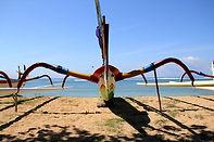 bateau bali traditionnel plage Sanur