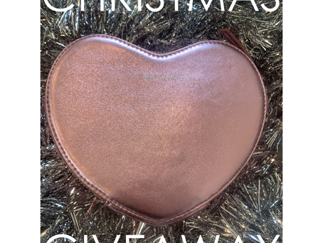 #WeeklyWhimsy — We Heart You (Giveaway)