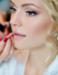 wedding-makeup-artist-making-a-make-up-f