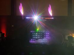 Installation + rideau de LED + pont