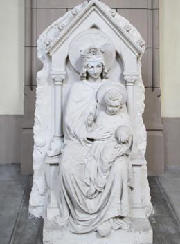 Vierge à l'enfant dans l'église Saint-Pierre de Vérone