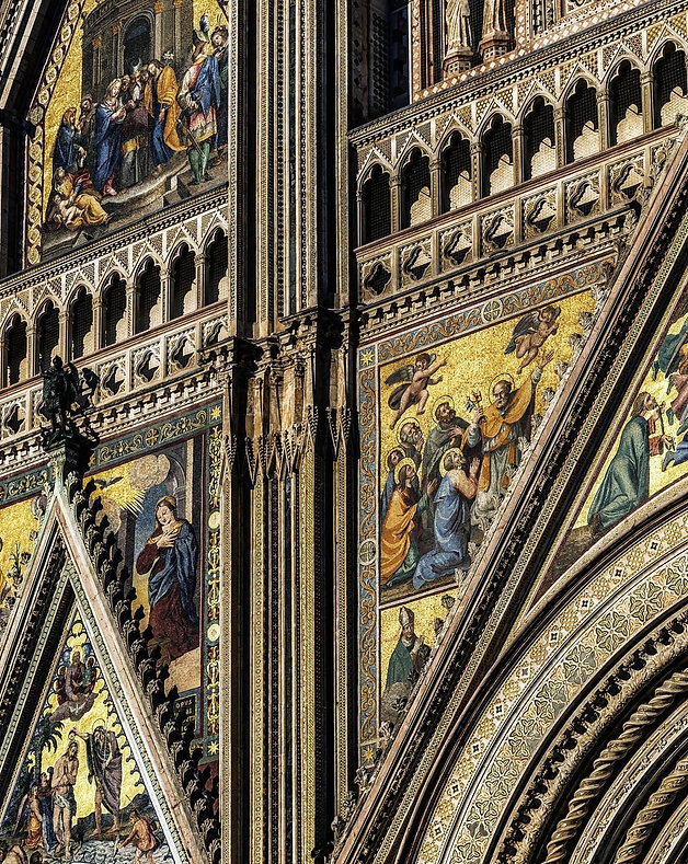 cathedral-1684689_1920-min.jpg