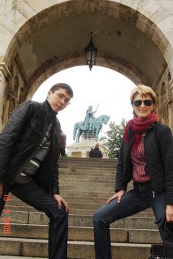 Rinat, Sveta & the Statue