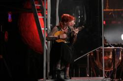 Надин край сцены