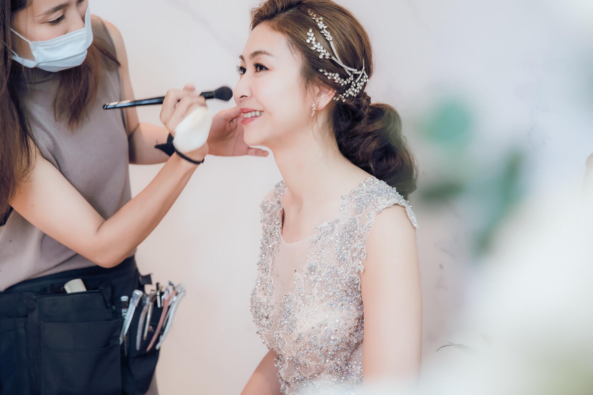 bride-Lara