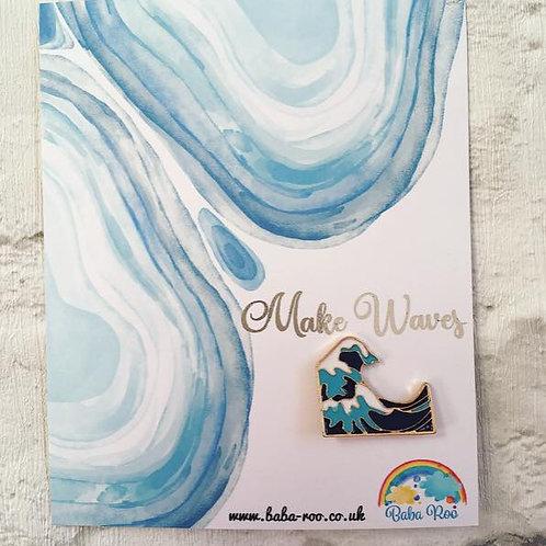 'Make Waves' Brooch