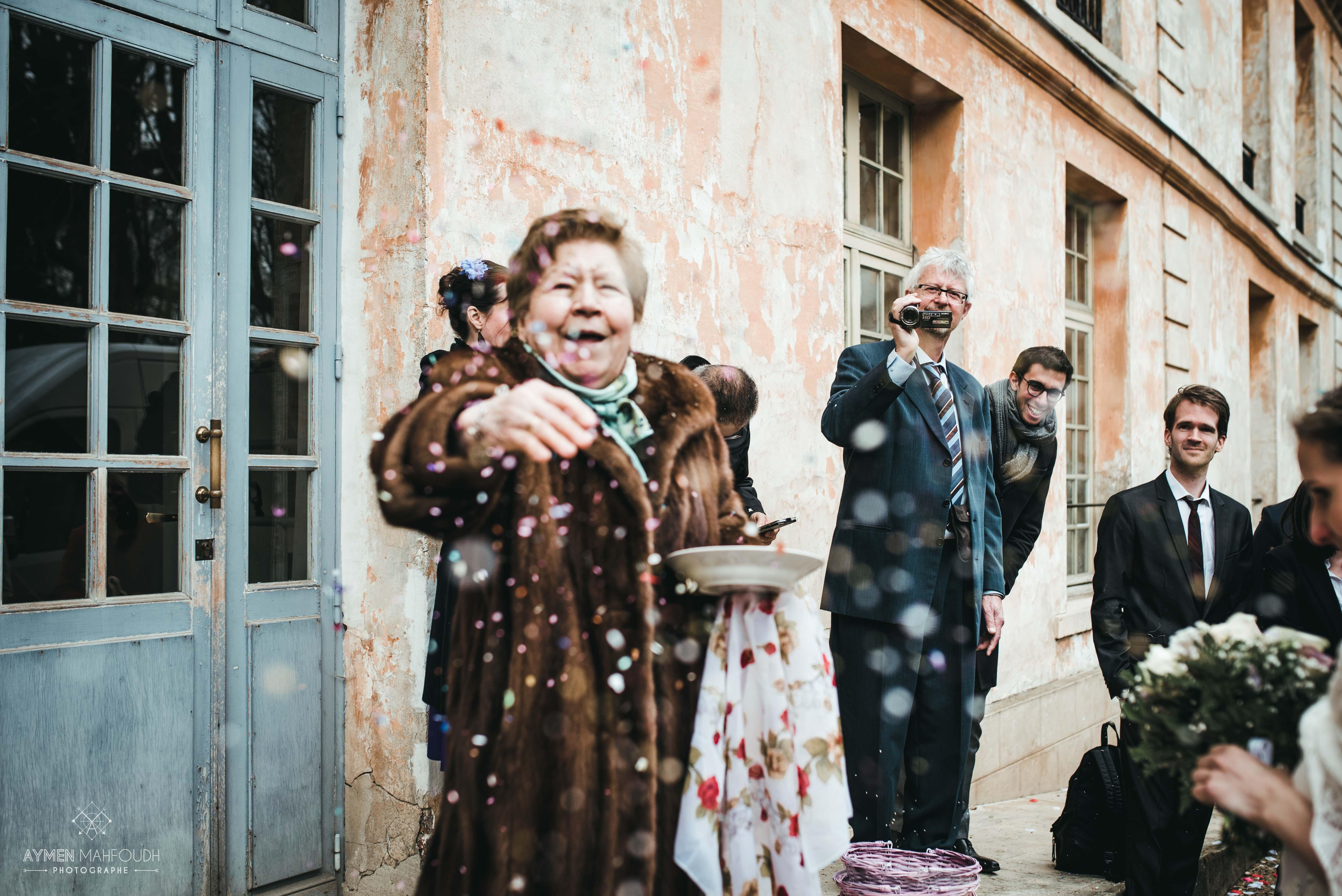 la joie de la grand mère