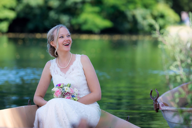 la mariée sur un barque à Paris
