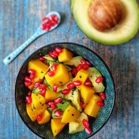 Salade d'avocat mangue et grenade