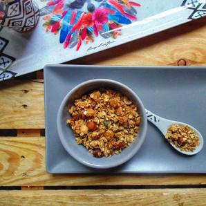Granola aux flocons d'avoine, noisettes, macadamia et graines de courge