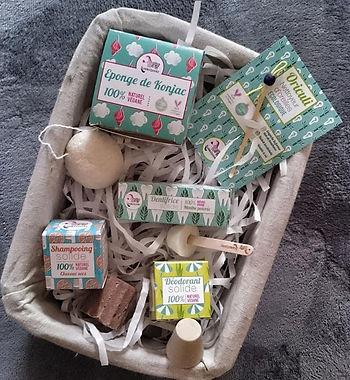Lamazuna-cruelty-free-oriculi-dentifrice-konjac-shampoing-solide-huile-essentielle-déodorant-solide-