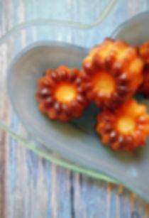 pretty-little-kitchen-cannelés-bordelais-canelés-dessert-gourmand-rhum-fleur-d'oranger-croustillant-moelleux
