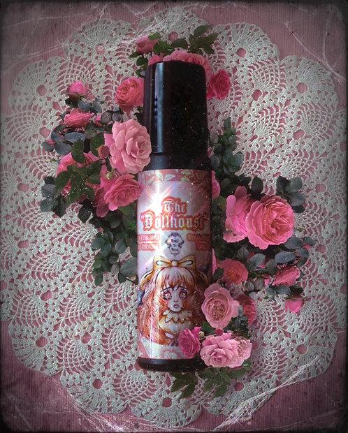 """The """"Dollhouse"""" Roll On Perfume 🍰🍓"""
