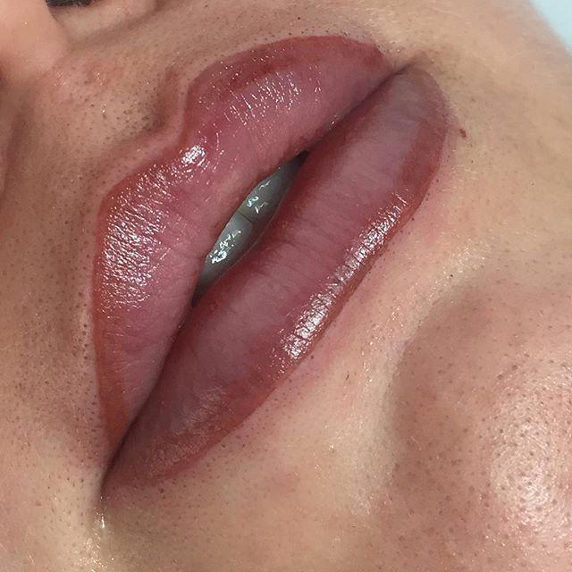 Lip Liner and Lip Blush