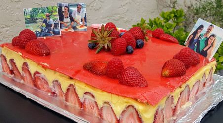Strawberry cake (Fraisier) : 16/20 persons : starting $87 (without the pictures :-) )