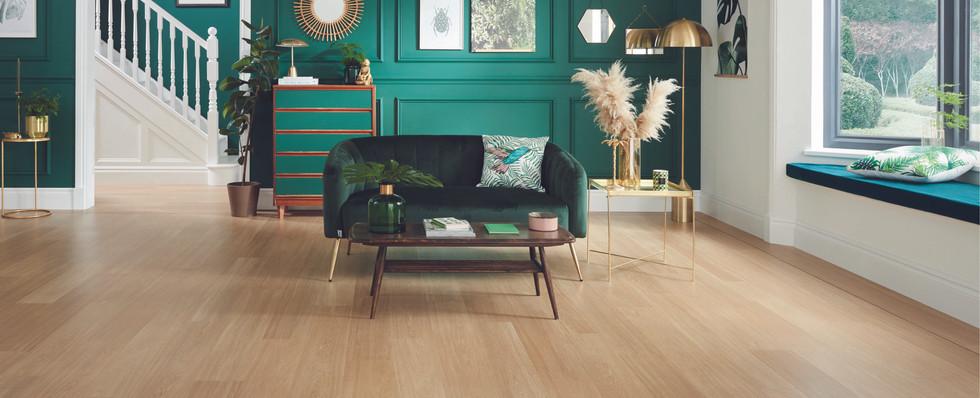 VGW115T Natural Prime Oak DS05 5mm Living Room Hallway LS1_CM.jpg