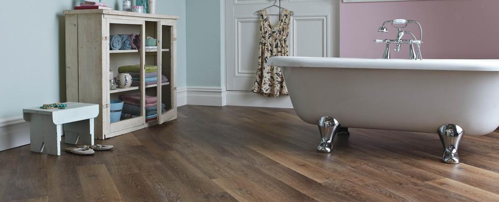 KP96 Mid Limed Oak Bathroom LS.jpg