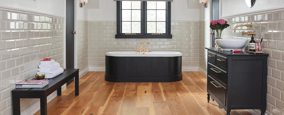 EW10 NaturalHickory Bathroom LS1_CM.jpg