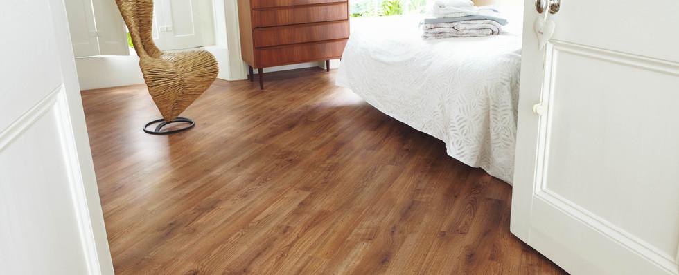 KP91 Victorian Oak Bedroom LS CM.jpg