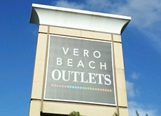 Holiday Happenings at Vero Beach Outlets
