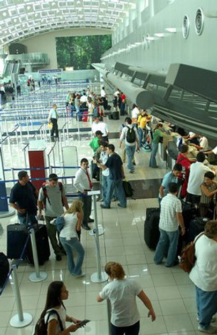 Tamarindo - San José Aeropuerto 1 a 4 People