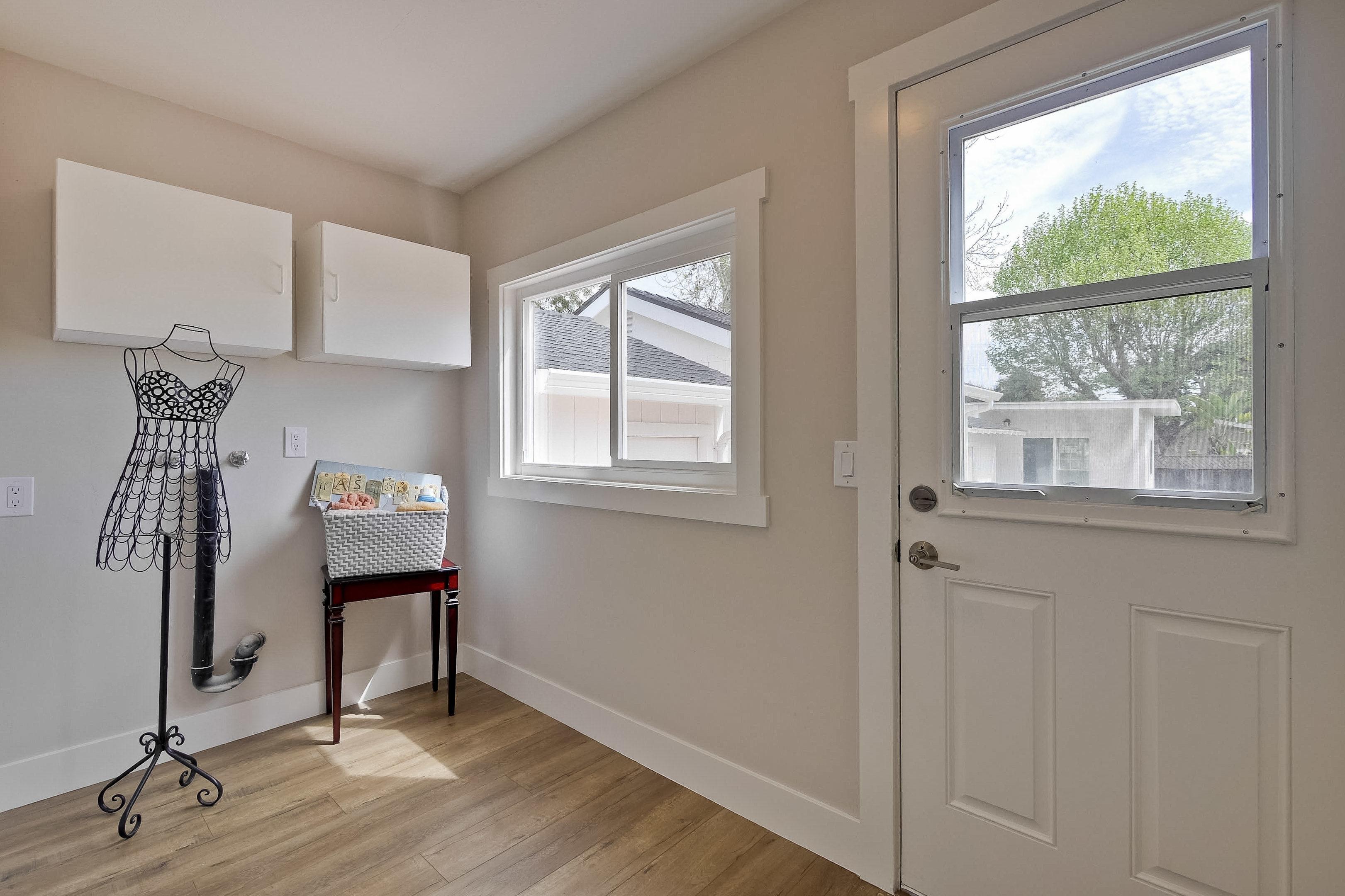 220 Seaside Street-035-62-Laundry Room