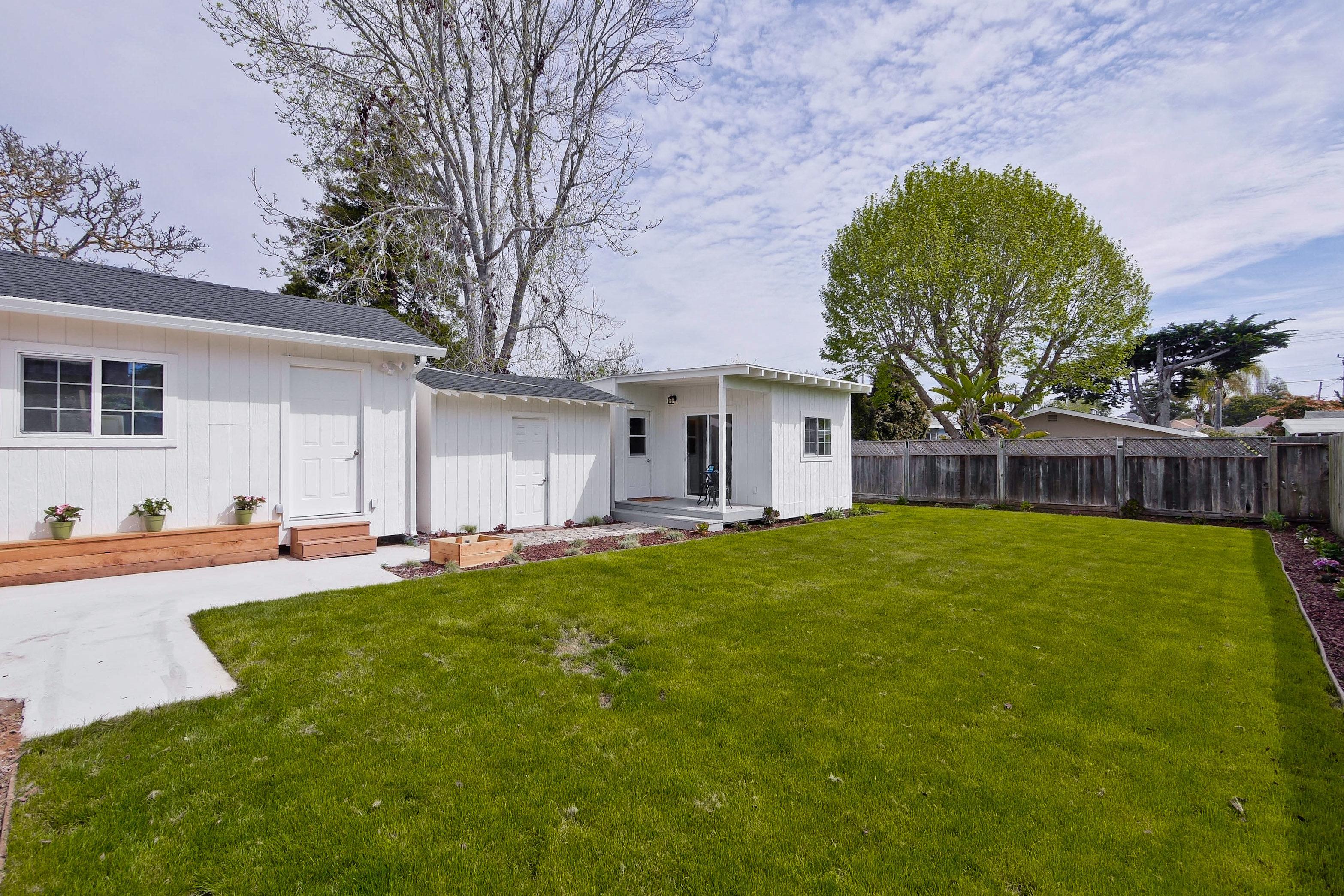 220 Seaside Street-046-16-Backyard