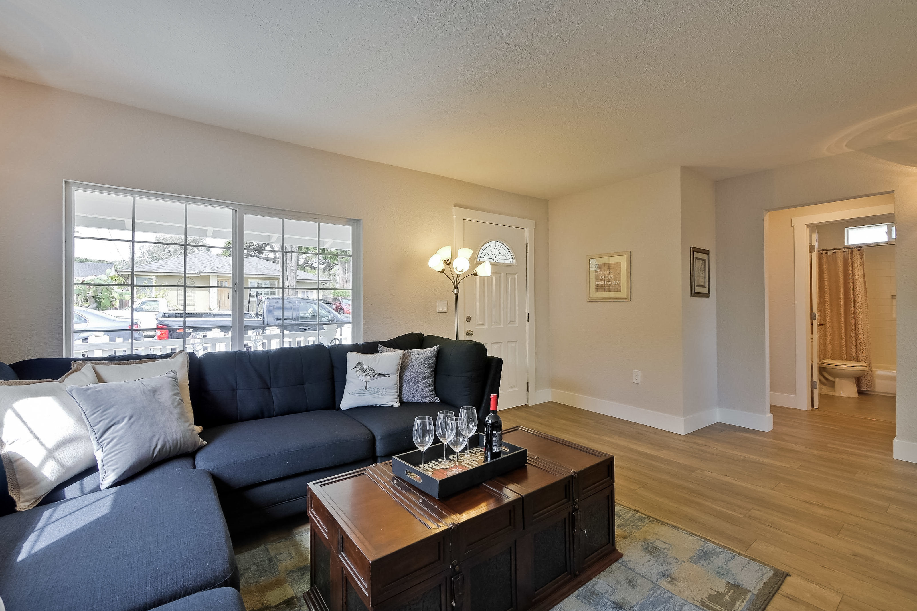 220 Seaside Street-011-56-Living Room