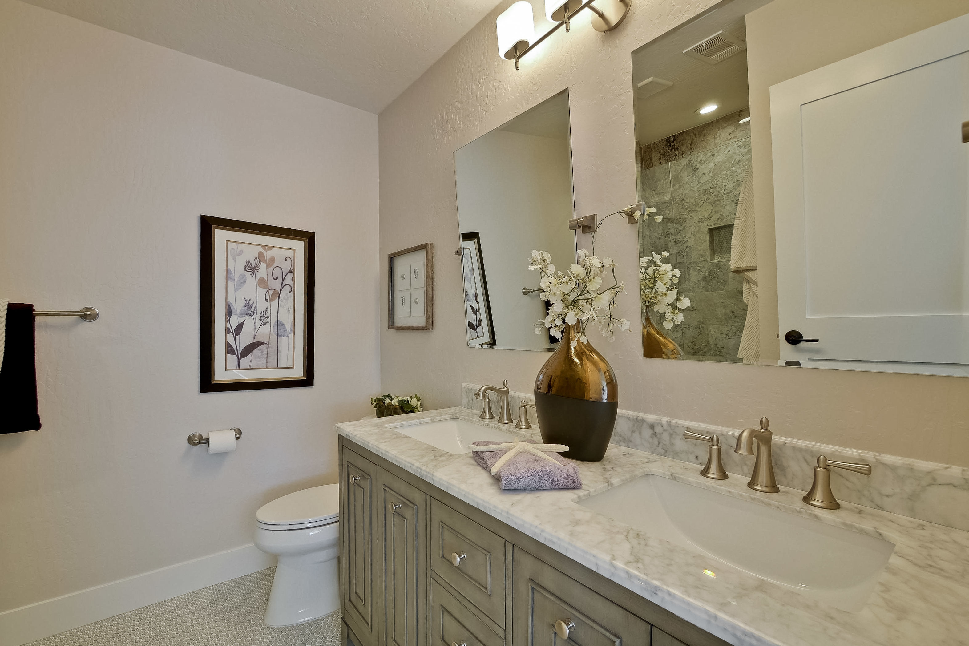 225 Plateau Avenue 039-6-Master Bathroom