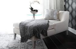 linda-chaise-440x284