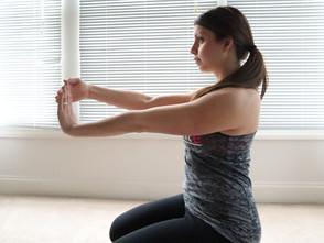 4 EASY STRETCHES FOR WEIGHT TRAINING