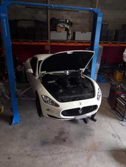 Maserati remplacement frein.