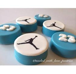 Edible Image (Jordan Logo Oreo Cookies)