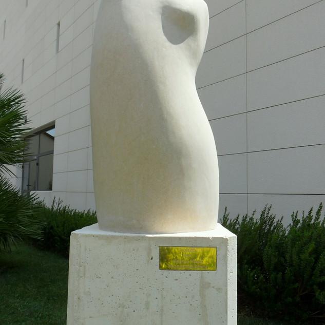 2013. javna skulptura na Bolu.jpg
