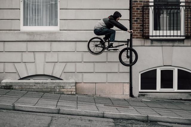 Rob Annis | Ledge hop