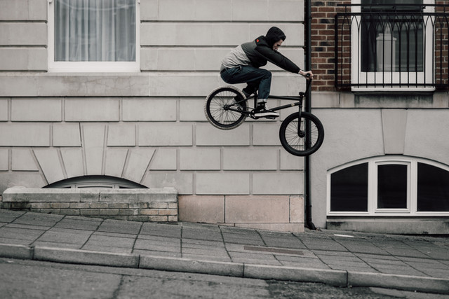 Rob Annis   Ledge hop