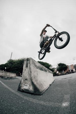 Jonny Dobson   Barrier hop