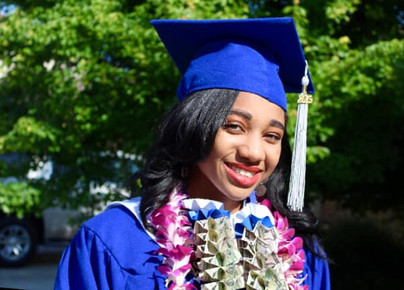 Graduate Hannah Olivia Marsh