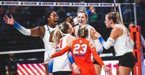 Lauren Dooley Shines with the Florida Gators Volleyball Team