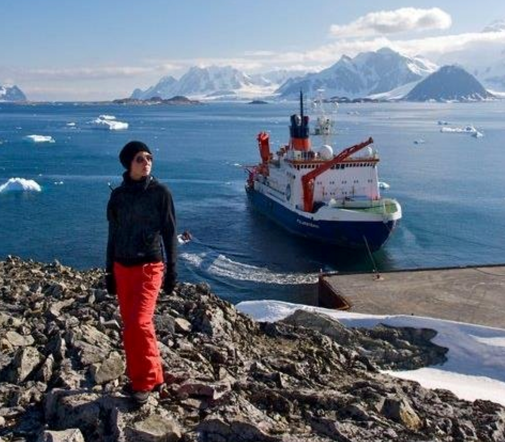 PhD Marine Biology, MA Science Communication. APECS Council member. Lecturer/guide in the polar regions