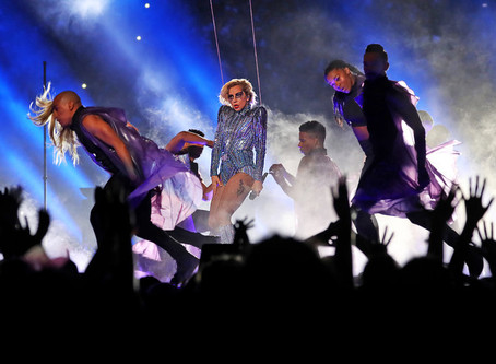 Lady Gaga, in Versace, Sends a Sparkly Super Bowl Message