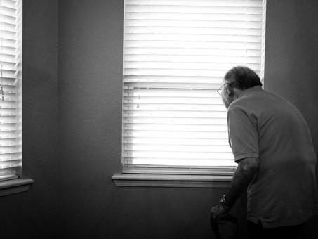加齢と姿勢「函館で姿勢分析をするなら、自費型訪問リハビリFit✕Up」