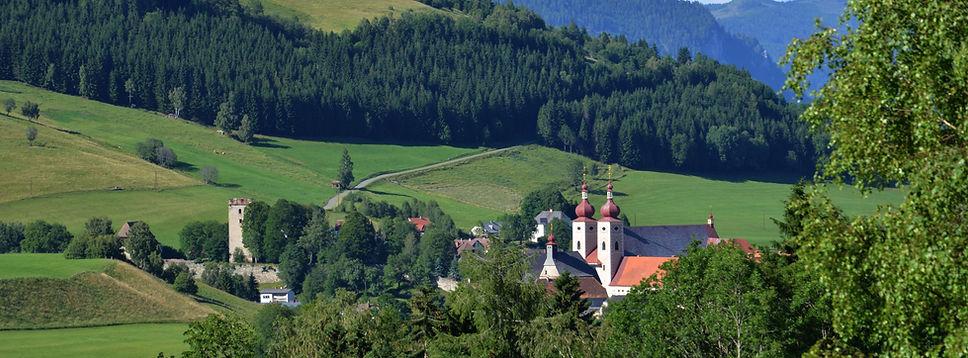 Blick auf die Benediktiner Abtei