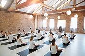 Yoga les, groepslessen yoga, groepslessen ademen, adem en ontspanning.
