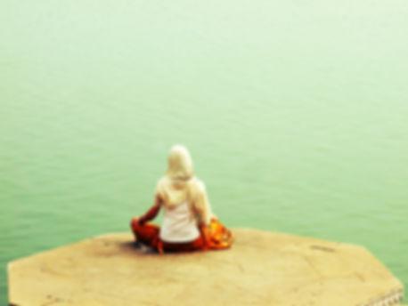 A_Hindu_along_river_Ganges_in_Varanasi,_