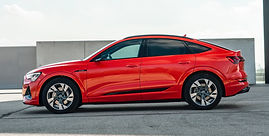 2020-Audi-e-tron-Sportback-side.jpg