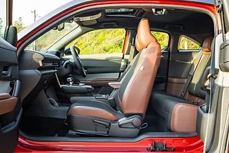 mazda-mx-30-ev-tight rear seat access.png