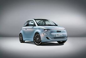 Fiat 500e oblique front 2021.png