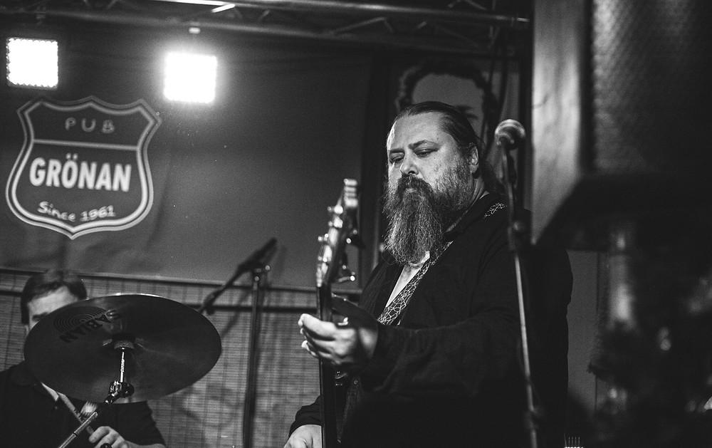 Jukka Jylli from Drink Floyd live at Pub Grönan, Hanko