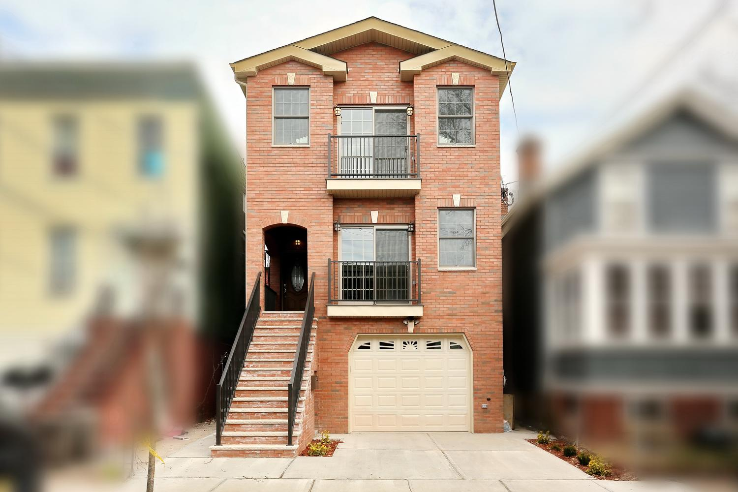 80 Lincoln St Jersey City NJ-large-001-55-Front of Home-1500x1000-72dpi